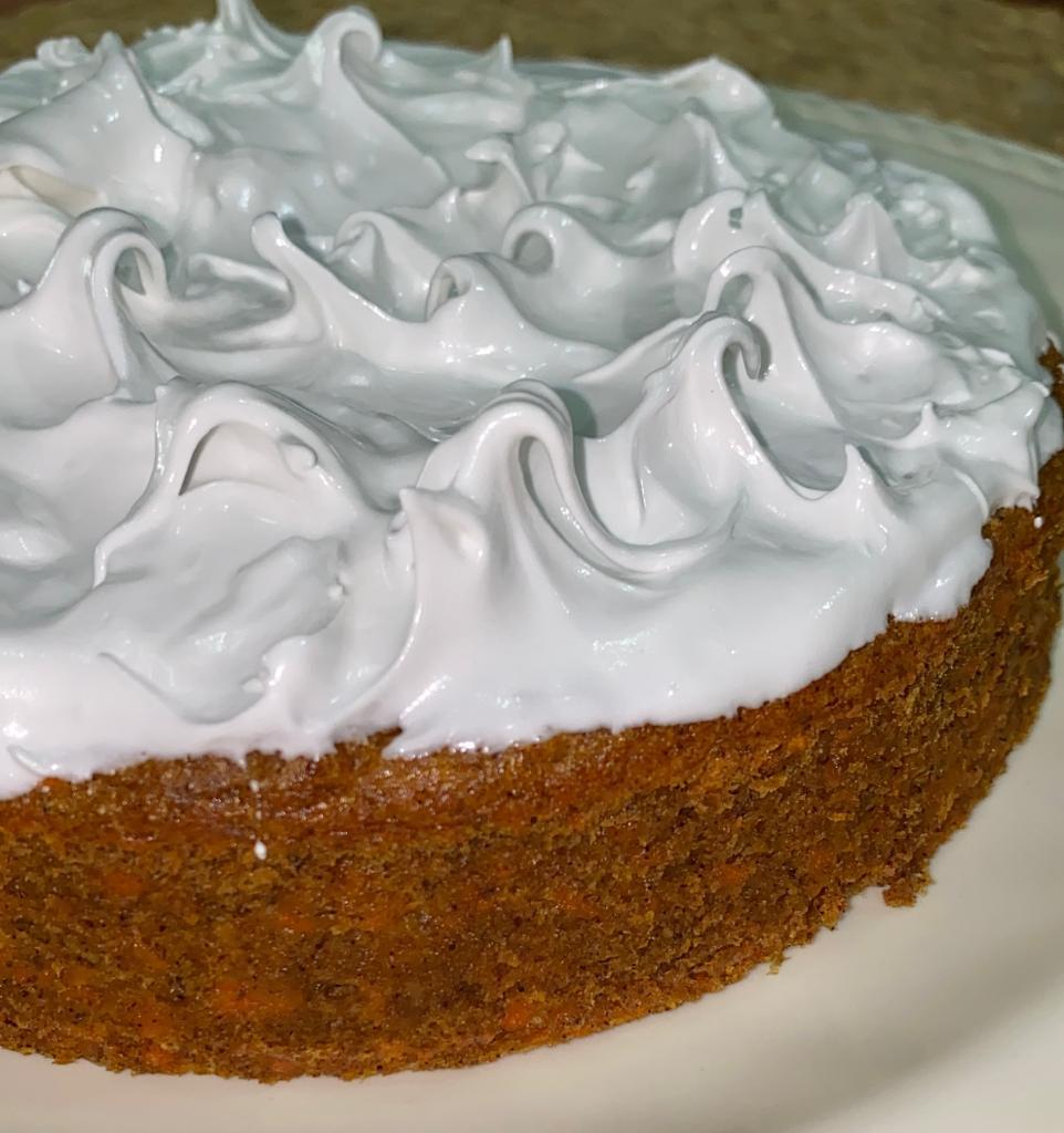 Torta de Zanahoria Con Merengue Suizo Sin Azúcar